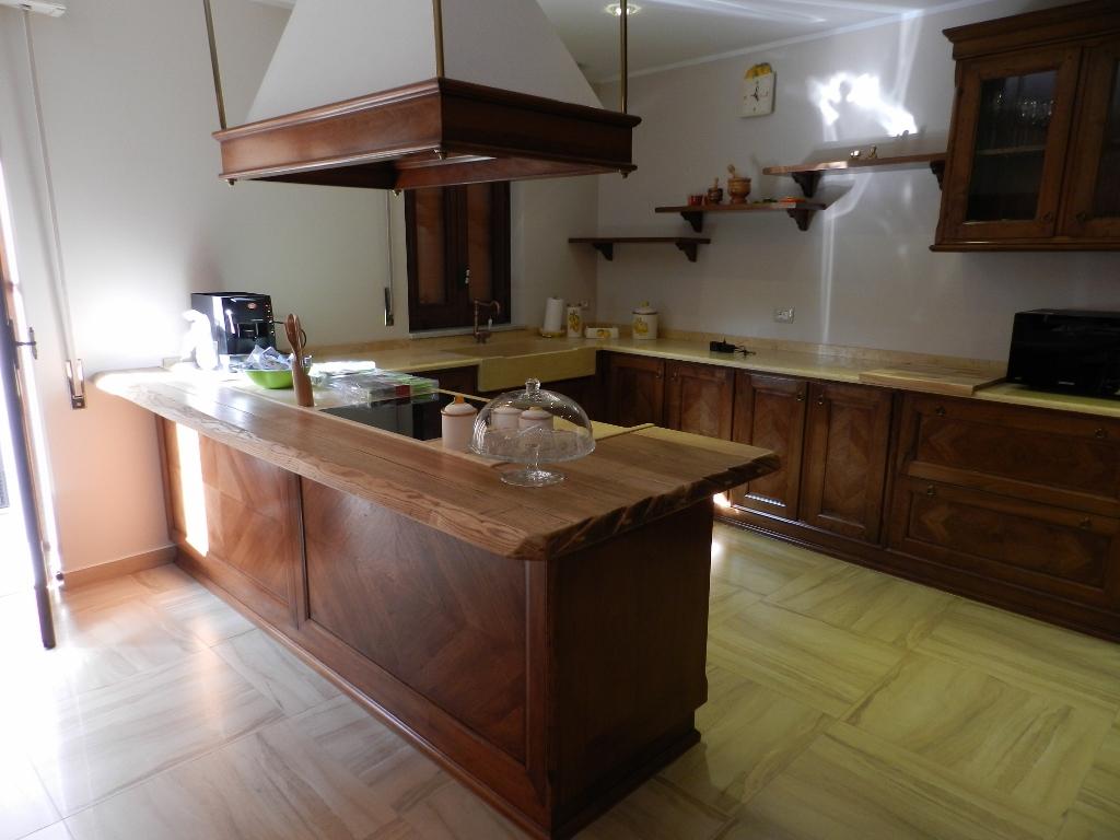 Antiqua by L'Ottocento cucine