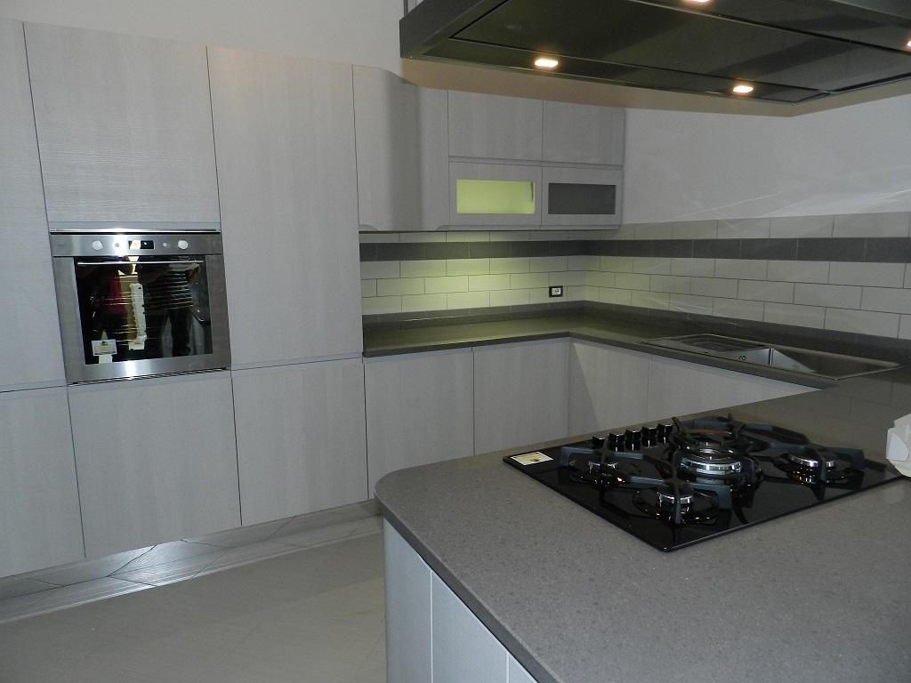 Cucina stosa bring restyling zichichi mobili - Cucina grigio scuro ...